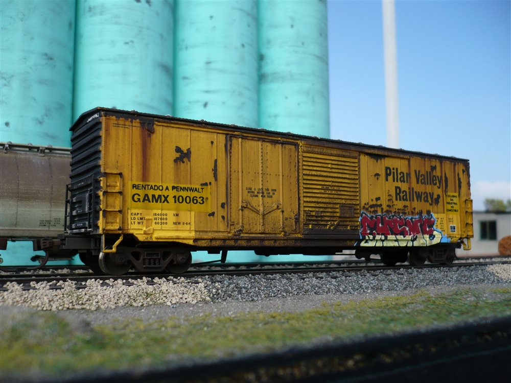 at home store gamx 10063 with the graffiti side model railroader 10063