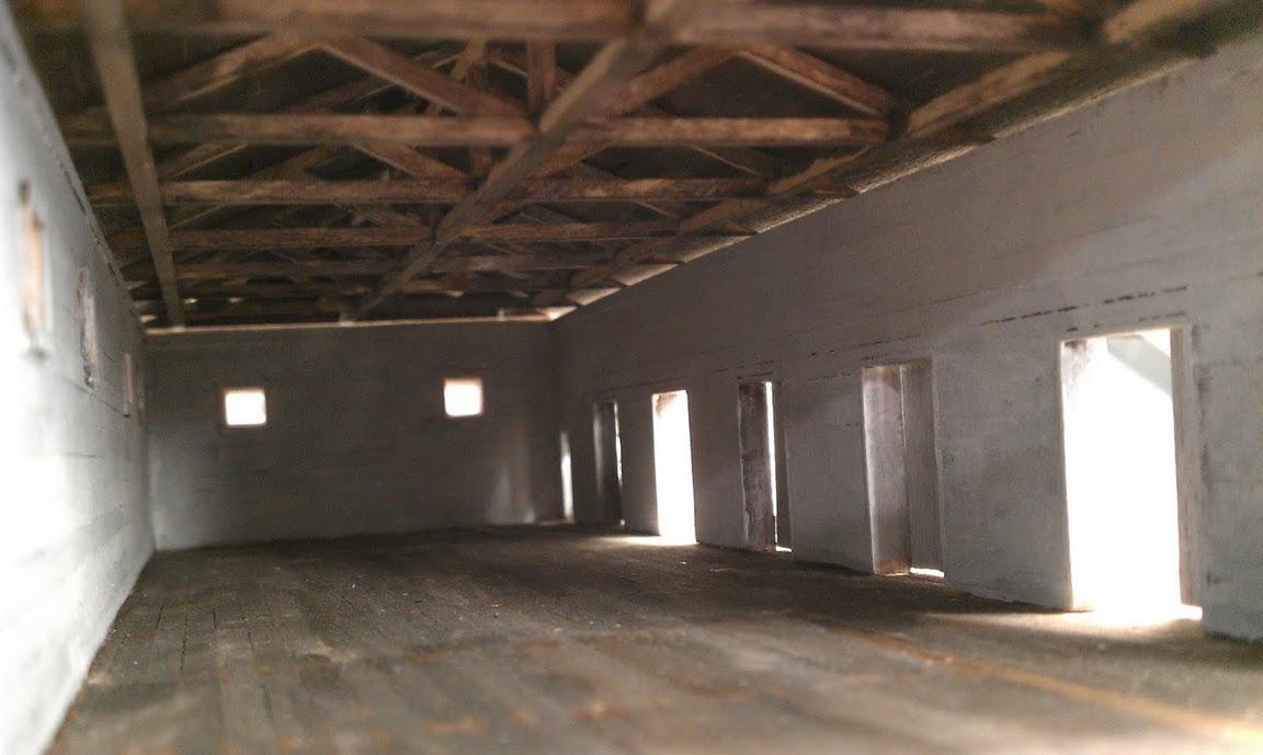 scratchbuilt produce warehouse: the empty interior - model