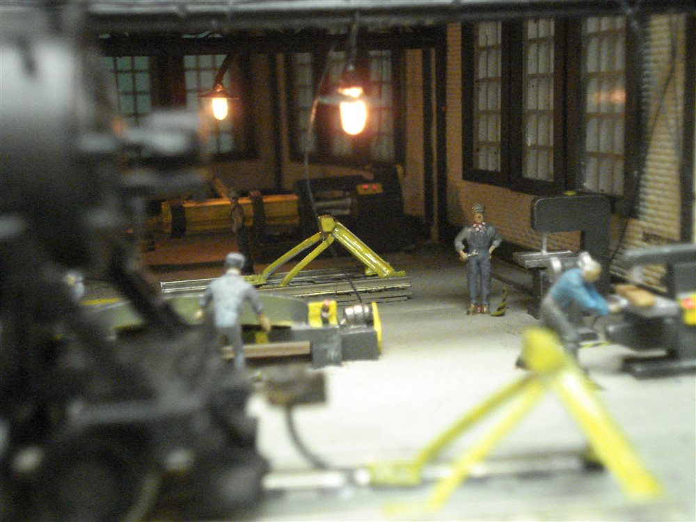 Heljan Ho Scale 3 Stall Roundhouse With Custom Detailed Interior Model Railroader Magazine